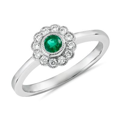 NEW Emerald and Diamond Vintage-Inspired Fiore Ring in 14k White Gold (3.5mm)