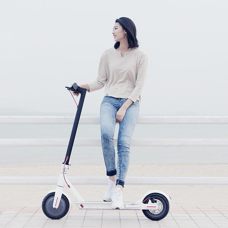 Latest Version V1.2 XIAOMI M365 Folding Two Wheels Electric Scooter
