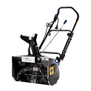 Snow Joe Ultra 15.0 Amp 18 Electric Snow Thrower with Light SJ623E NEW