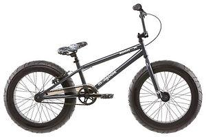 20 Mongoose BMaX Boys' BMX Bike, Black
